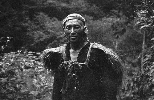 白神山地を歩いた津軽マタギの最後の一人とされる鈴木忠勝氏(森山家蔵)